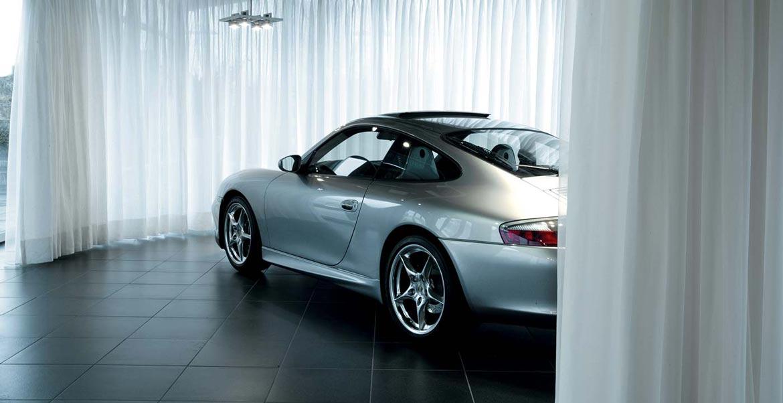 Porsche_Showroom_W1